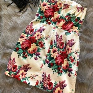 Alyn Paige Dresses - Alyn Paige Floral strapless dress size 9/10